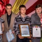 В Краснотурьинске наградили подростка, спасшего двоих утопающих