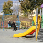 Администрация Североуральска планирует продолжать оборудовать дворы города и поселков детскими площадками