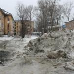 Североуральск. Дворы и тротуары в ужасном состоянии - не верится, что это наш город (фотофакт, видео)