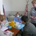 В Североуральске сотрудники исполнительной инспекции провели акцию «Узнай свой ВИЧ-статус»