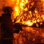 Крупный пожар в Ивделе тушили несколько часов