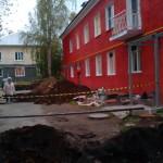 По улице Чайковского красят пять двухэтажек. Красота!
