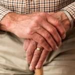 Как вы относитесь к повышению пенсионного возраста?