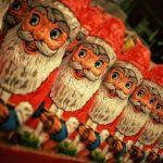 В нескольких регионах России для борьбы с коррупцией детсадам запретили звать Деда Мороза
