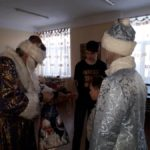 «Полицейский Дед Мороз» поздравил ребятишек с праздниками