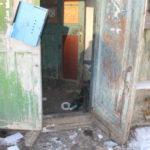 Четыре барака в районе пивзавода пора сносить - прибежище для бомжей и собак люди стараются обходить стороной (фото, видео)