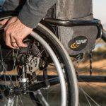 Болельщик из США подарил россиянину инвалидную коляску за 10 тысяч долларов. ВИДЕО