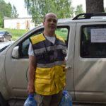 «В Североуральске люди не будут ждать, когда я закончу свои дела». Как доброволец из Екатеринбурга развез горожанам почти тонну воды