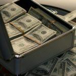 Суд снял арест с 5,5 миллионов долларов вдовы главаря банды Цапков