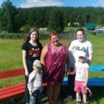 Черемуховские волонтеры привели в порядок детскую площадку во Всеволодо-Благодатском. Помогали и депутаты