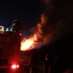 В Североуральске и Ивделе горели квартиры, бесхозные строения и столб линии электропередач
