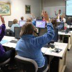 Североуральских пенсионеров научат пользоваться компьютером. Бесплатно