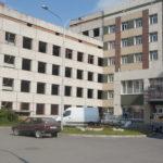 Одиннадцать подростков сломали стену в рентгенкабинете и вынесли имущество, принадлежащее больнице